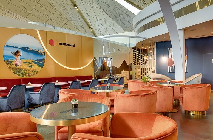 Delight in peace and quiet at Saint Petersburg's busy airport: In Saint Petersburg, Russia (1)