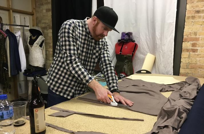Design and Make Your Own Sweatshirt: In Chicago, Illinois (1)