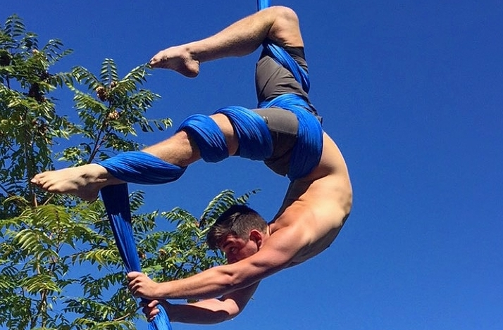 Aerial Silks with Garret Caillouet: In New York, New York (1)