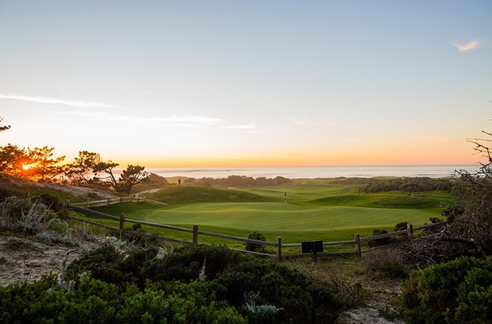 Take your swing at Pebble Beach Resorts' seaside golf course: In Pebble Beach, California (1)
