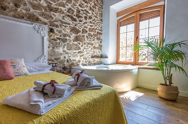 Enjoy a two-night stay for two at El Corral del Nido in Ávila: In Ávila, Spain (1)