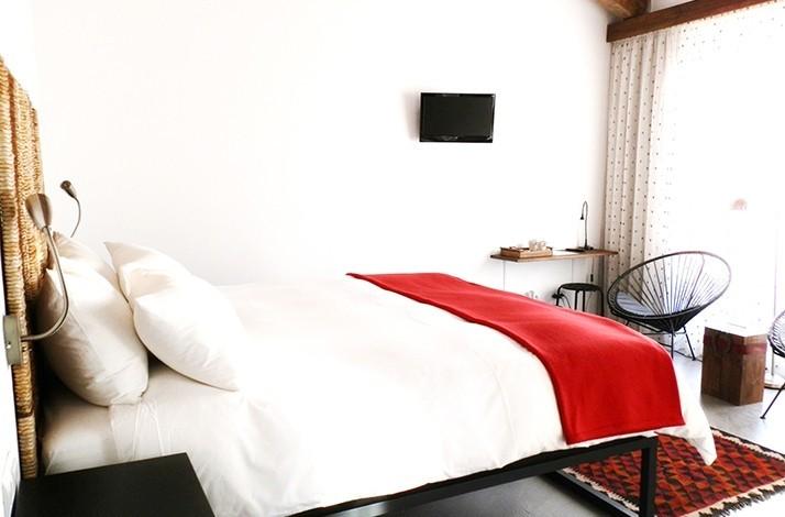 Escape the ordinary with a unique stay at El Hotelito: In Navaluenga, Spain (1)