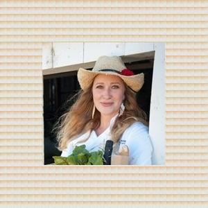 Responsive image Elizabeth Hill