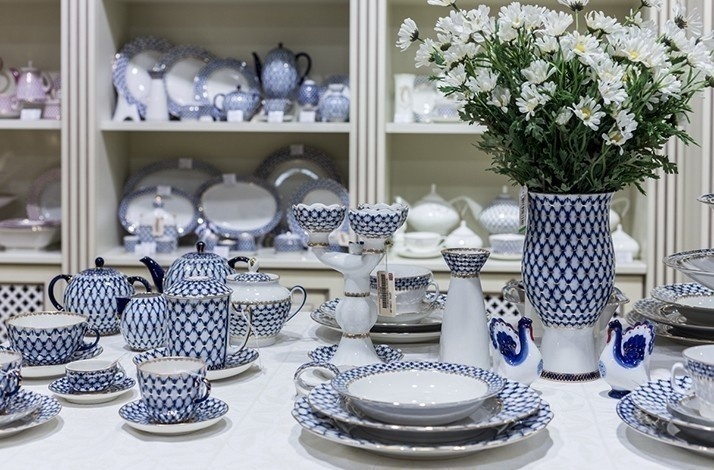 Exclusive tableware and home décor items from porcelain: In Moscow, Russia (1)