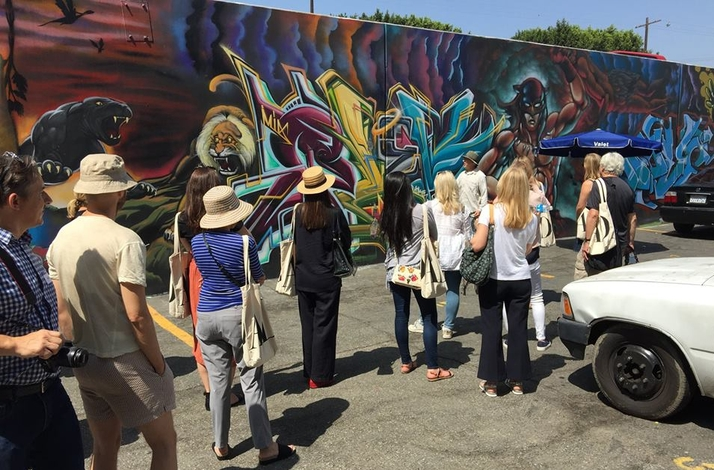 Modern Graffiti Art : a Walking Tour Though the Urban Landscapes of LA : In Los Angeles, California (1)