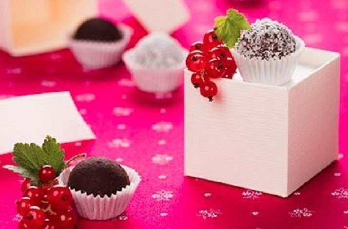 Indulge Your Sweet Tooth with a Truffle-making Class: In