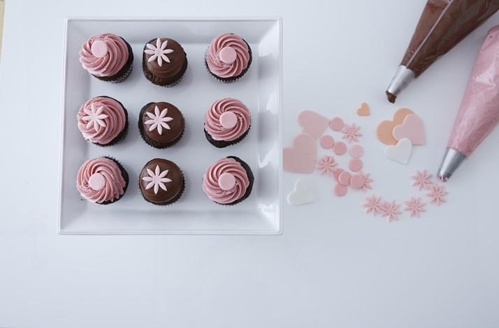 Cupcake Baking and Decorating Workshop at Kara's Cupcakes Headquarters: In San Francisco