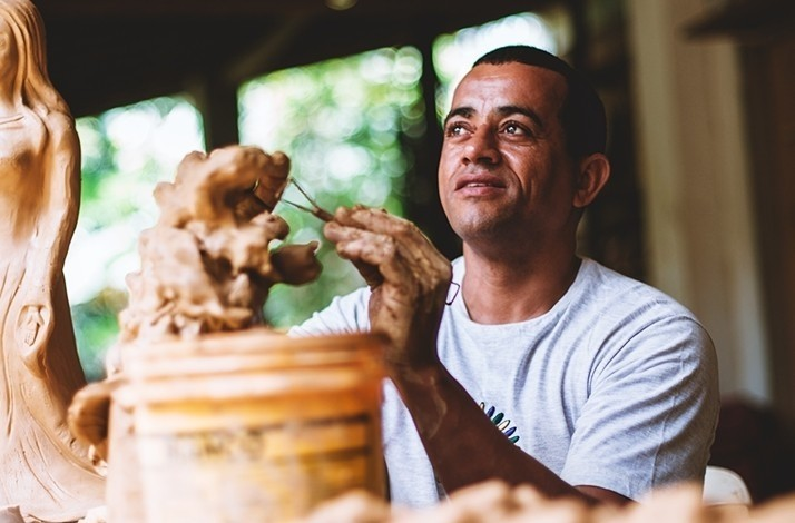 Peek behind-the-scenes at a famous ceramic studio in Trancoso: In Trancoso, Brazil (1)