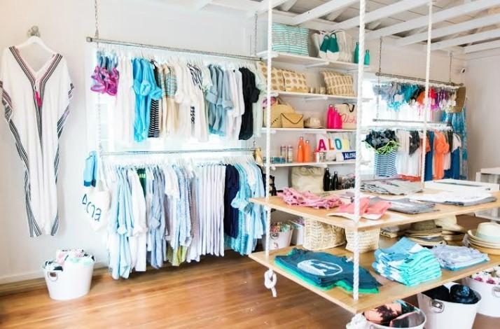 Shop for swimwear in Honolulu with professional stylist Kim Smith: In Honolulu, Hawaii (1)