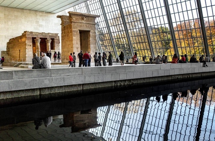 714x470metmuseumphotobrittanypetronellanycandco__L.jpg