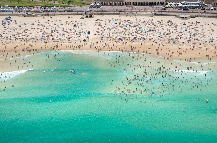 Snap photos from a helicopter with Bondi Lifeguard Anthony Glick: In Bondi Beach, Australia (1)
