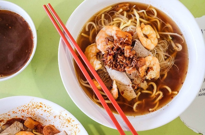 Explore Singapore's food hawker culture with Miss Tam Chiak: In Singapore, Singapore (1)