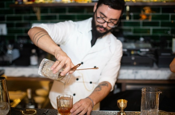 Make the perfect gin and tonic at a hidden speakeasy: In New York, New York (1)