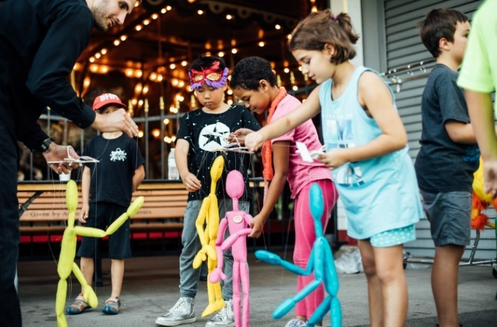 Tour the Bob Baker Marionette Theatre and see a puppet show: In Los Angeles, California (1)