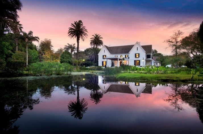 Play on renowned golf courses on the secluded Fancourt estate: In George, South Africa (1)