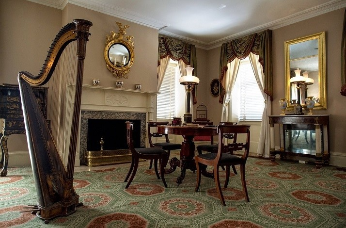 Explore one of the oldest buildings in Manhattan with friends: In New York, New York (1)