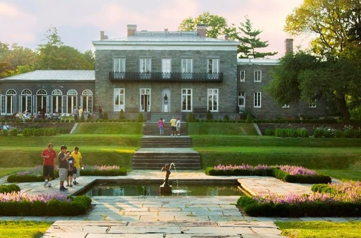 Take a behind-the-scenes tour of a historical Bronx mansion & museum: In New York, New York (1)