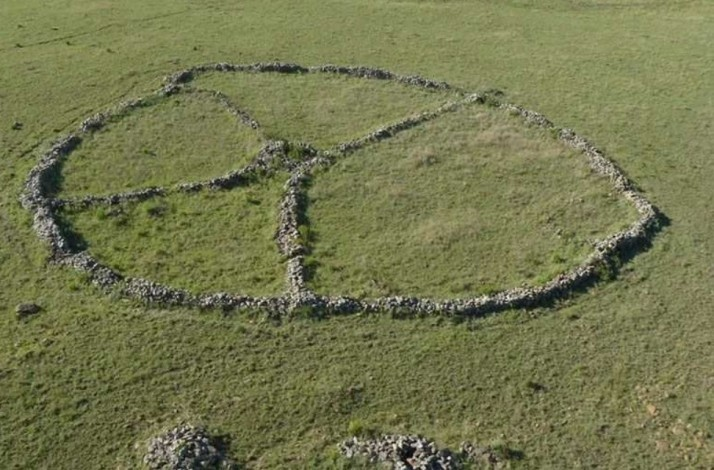 See ancient African ruins and learn about a vanished civilization: In Emgwenya, South Africa (1)