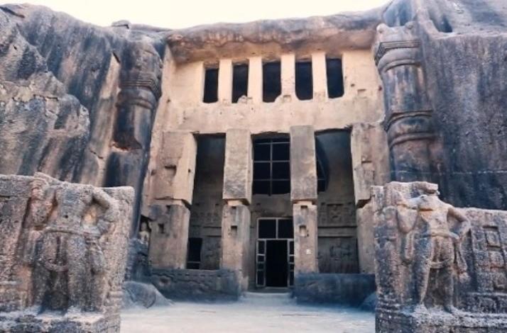 mumbai_kanheri_caves_1_2__L.jpg