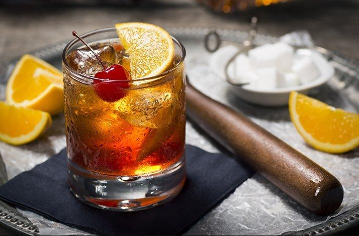 Exclusive Cocktail Tour and Tasting Led by Local Celebrity OnlyInBOS: In Boston, Massachusetts