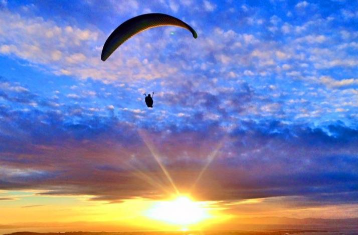 Soar Through the Air on a Tandem Paragliding Flight with an Expert Instructor: In Daly City, California (1)