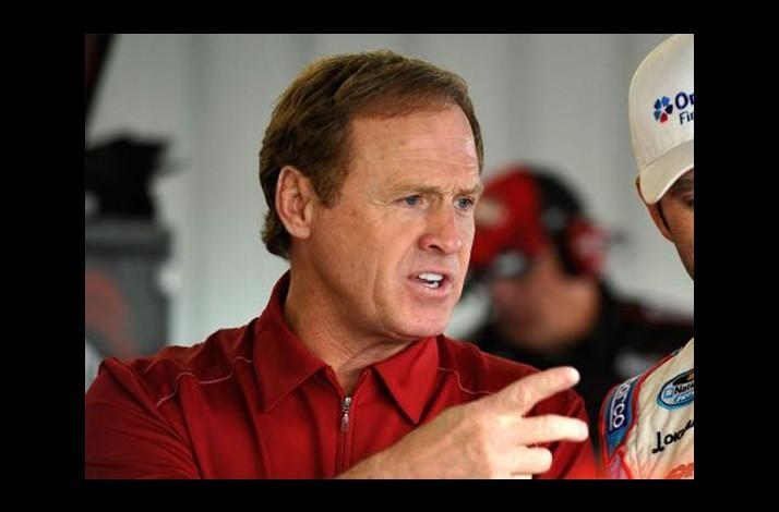 Behind-the-Scenes Pit and Garage Tour Led by NASCAR Legend Rusty Wallace (1)