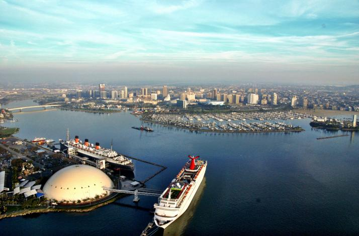 60-Minute Grand Los Angeles Helicopter Tour: In Long Beach, California (1)
