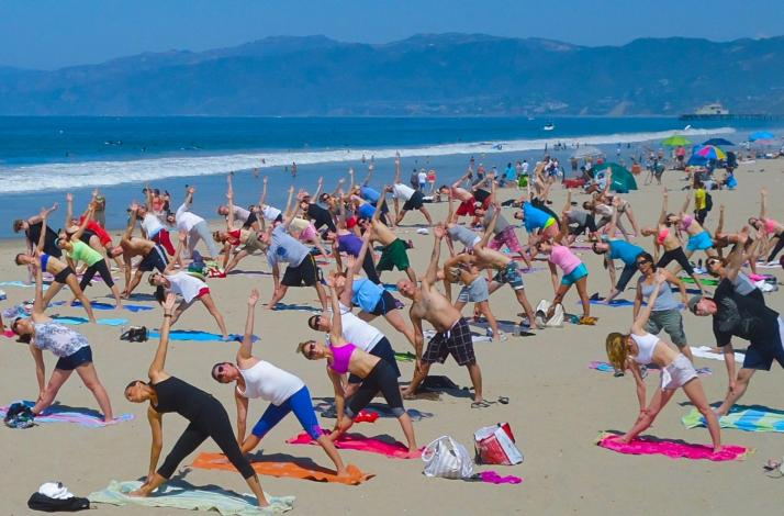Beach Yoga with Brad: In Santa Monica, California (1)