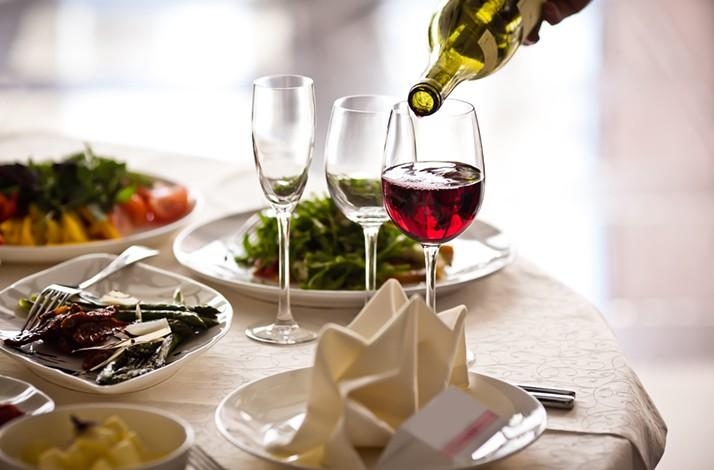 Craft the Ideal Wine Pairing for Your Next Event (1)