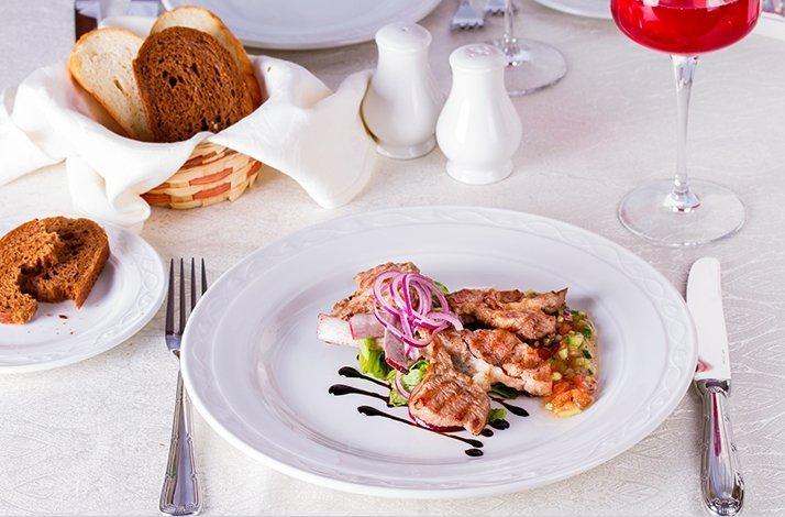 Exclusive 3-Course Private Dinner Prepared by a Holistic Chef: In Manhattan Beach, California