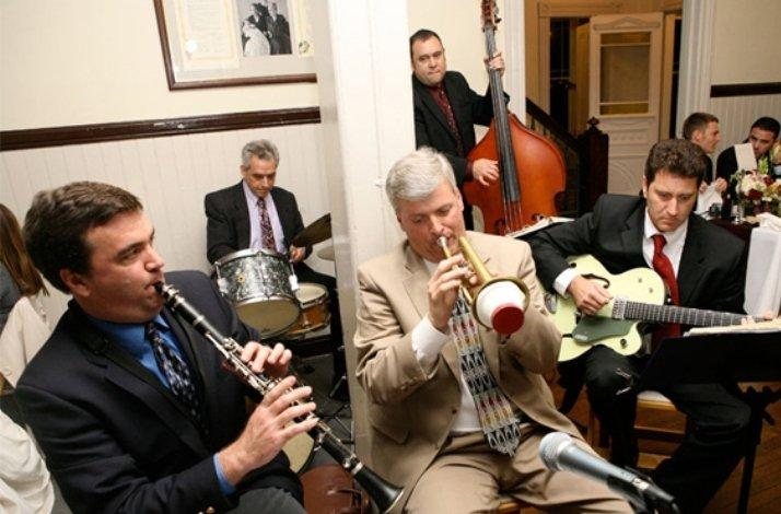 Campbell's Jazz Soup Creates the Excitement of the Gatsby Era with a Performance of 1920s Era Jazz: In San Rafael, California