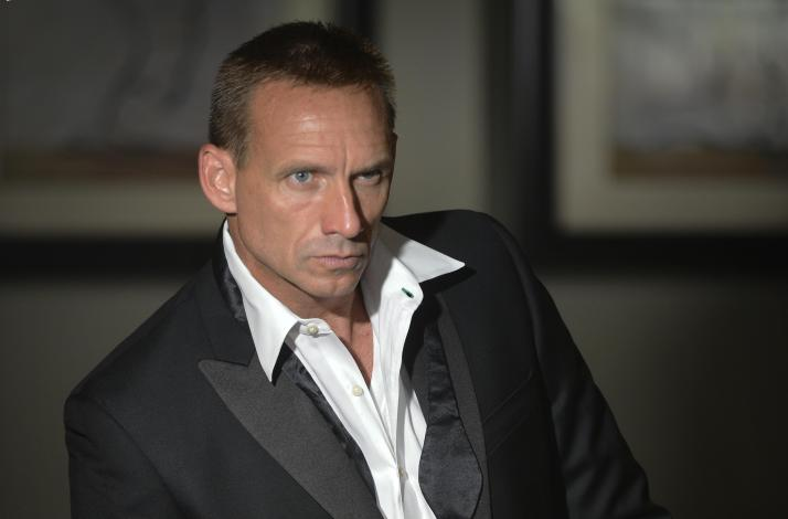 Bond-ing with Bond: In Florida, United States