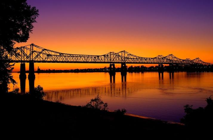 Journey Down the Mississippi River for a Day with an Expert Canoe Adventurer : In Bettendorf, Iowa (1)