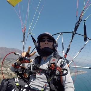 Exclusive Paragliding Tandem Flight Experience : In Malibu, California