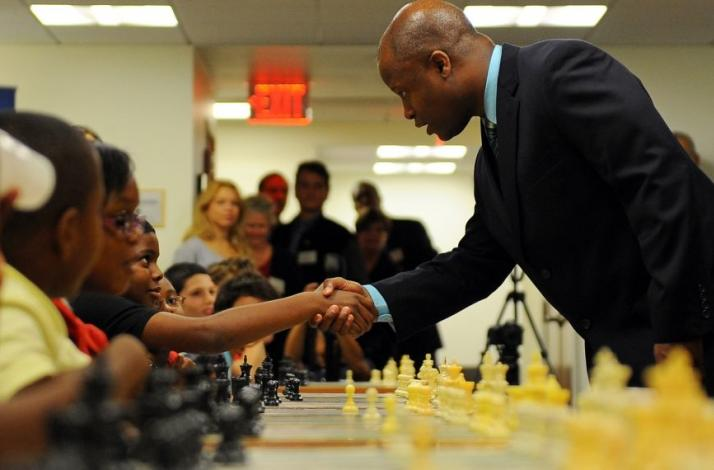 Chess Lesson with Grandmaster Maurice Ashley: In Brooklyn, New York (1)