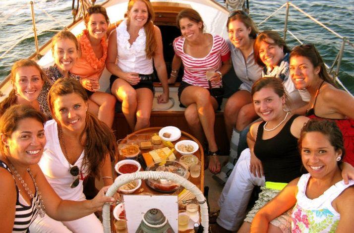 Private Sailing Charter in Boston's Enchanting Harbor: In Boston, Massachusetts (1)